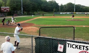 Commodores batter
